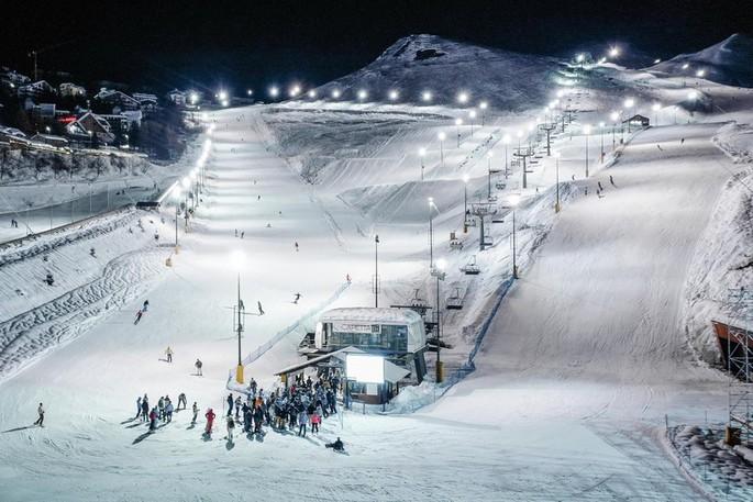 На лыжах под звездами: Ночное катание на Прато Невозо