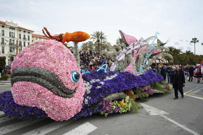 """Sanremo: Die diesjährige """"Blumen Parade"""" findet am 15. März statt. Die Festwagen werden von den Liedern des Festivals inspiriert. [Video & Fotogalerie]"""