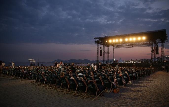 Кино на пляже, настоящий «шик» Каннского кинофестиваля