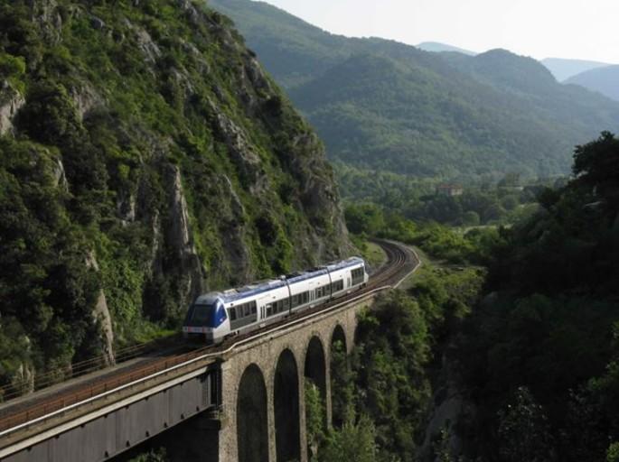 Turin-Cuneo-Nizza Bahn zwischen den  schönsten in der Welt