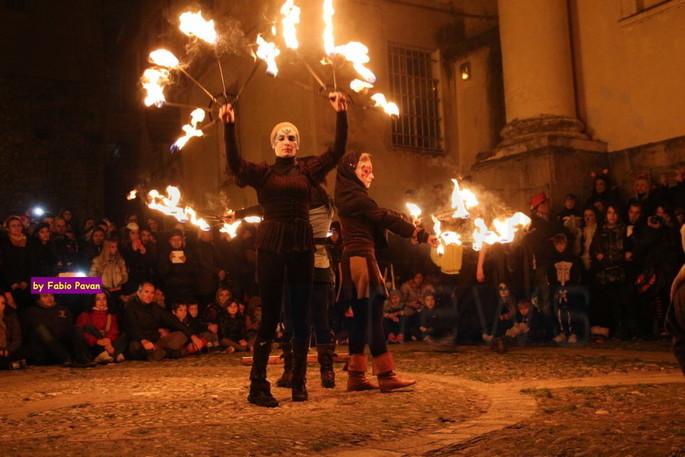 Feiern Sie Halloween in Triora [Video und Foto Galerie]