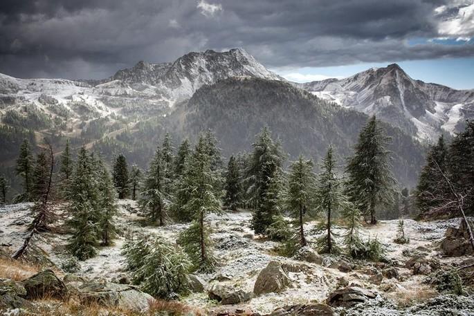 Sistron peak and mount St Sauveur, credits Facebook Site