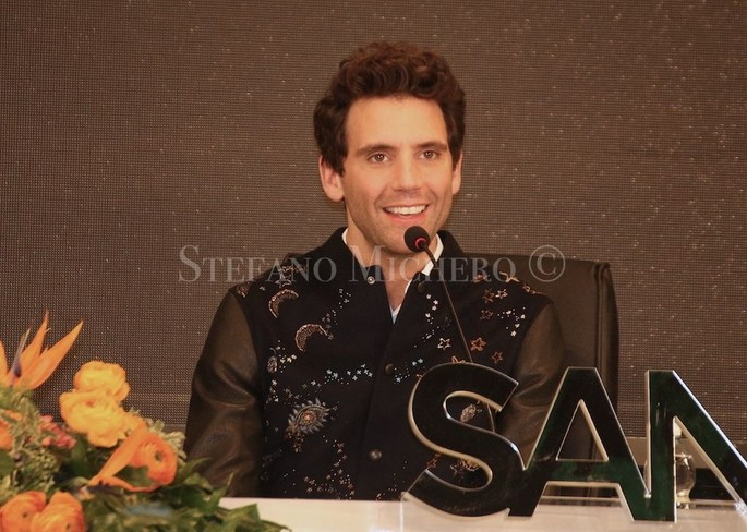 "One of Mika's new songs is an extraordinary ""spot"" for Sanremo: the Lebanese artist bewitched by the city of flowers [Video]"