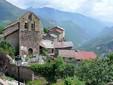 Roure, Kirche und Dorf, Kredit MOSSOT