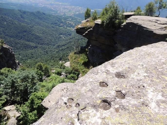 Наскальным рисункам Rocceré 4000 лет