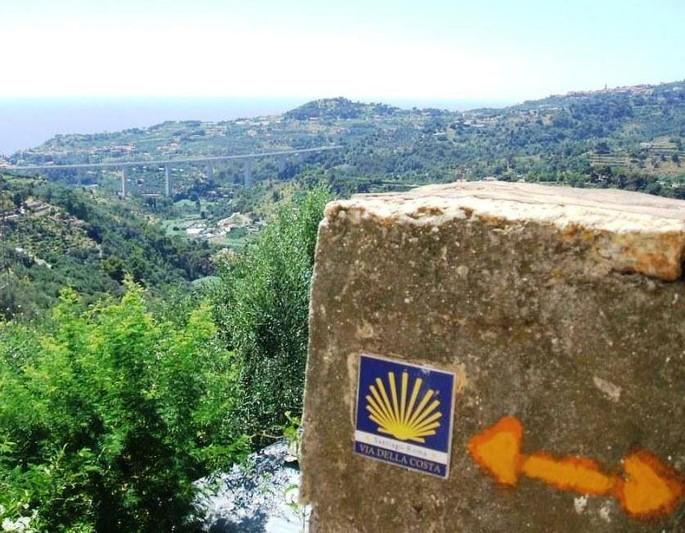 A Sunday hike from Laigueglia to Cervo, through history
