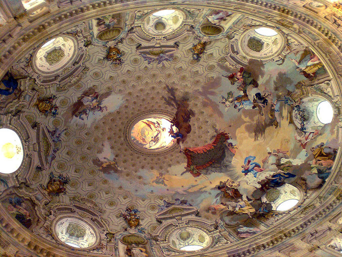 Visiting the largest elliptical dome in the world, in Vicoforte